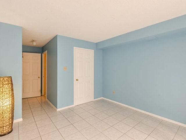 Condo Apartment at 2091 Hurontario St, Unit 206, Mississauga, Ontario. Image 19