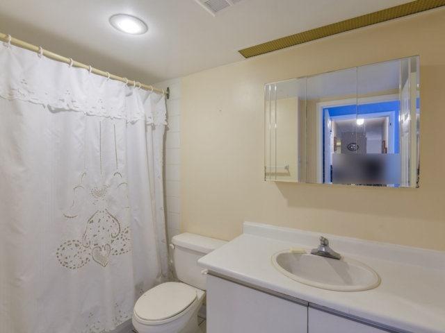 Condo Apartment at 2091 Hurontario St, Unit 206, Mississauga, Ontario. Image 2