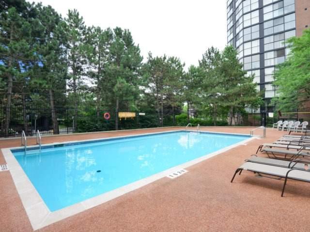 Condo Apartment at 2091 Hurontario St, Unit 206, Mississauga, Ontario. Image 9