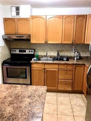 Condo Apartment at 1100 Caven St N, Unit 307, Mississauga, Ontario. Image 3