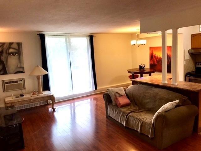 Condo Apartment at 1100 Caven St N, Unit 307, Mississauga, Ontario. Image 5
