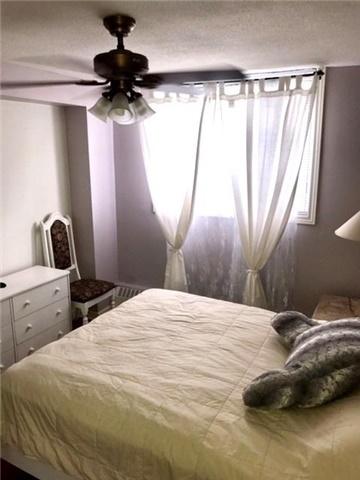 Condo Apartment at 1100 Caven St N, Unit 307, Mississauga, Ontario. Image 9