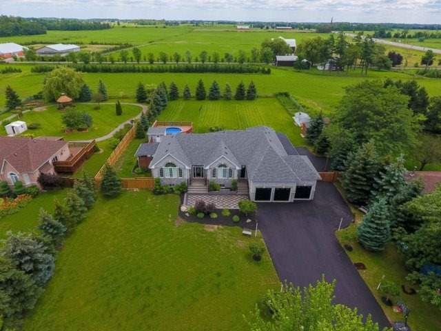 Detached at 3063 Olde Base Line Rd, Caledon, Ontario. Image 1