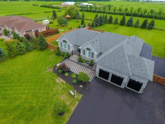 Detached at 3063 Olde Base Line Rd, Caledon, Ontario. Image 12