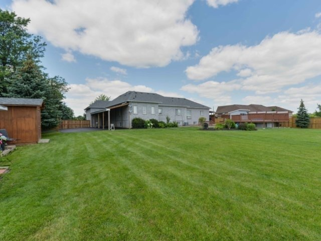 Detached at 3063 Olde Base Line Rd, Caledon, Ontario. Image 8