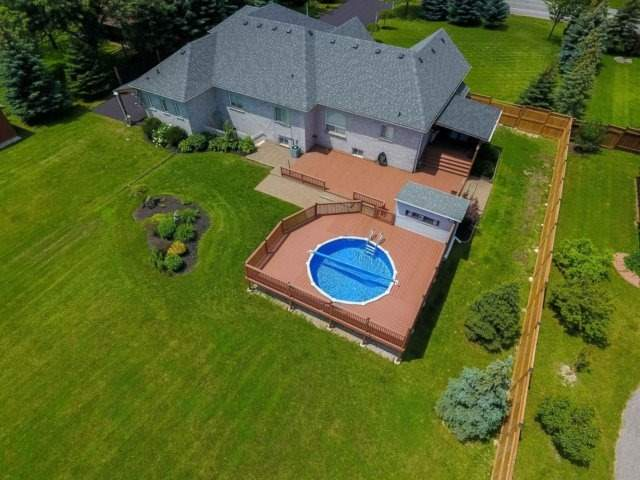Detached at 3063 Olde Base Line Rd, Caledon, Ontario. Image 9