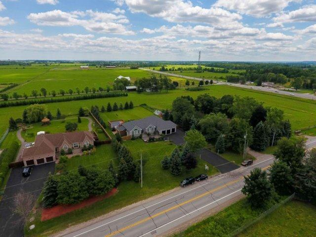 Detached at 3063 Olde Base Line Rd, Caledon, Ontario. Image 11