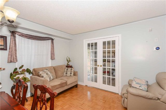 Detached at 87 Farthingale Cres, Brampton, Ontario. Image 16
