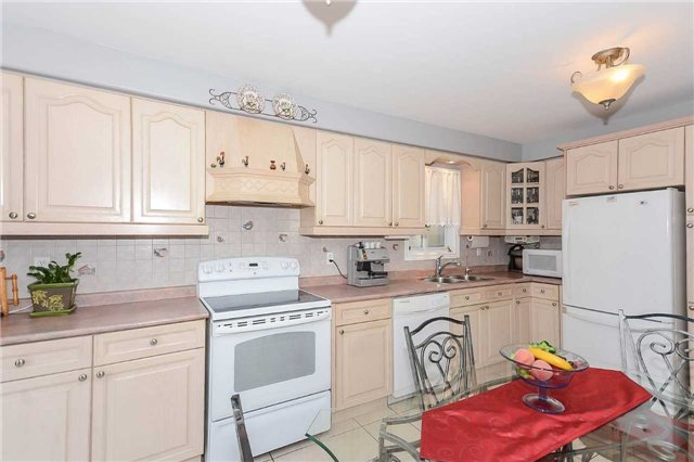 Detached at 87 Farthingale Cres, Brampton, Ontario. Image 19