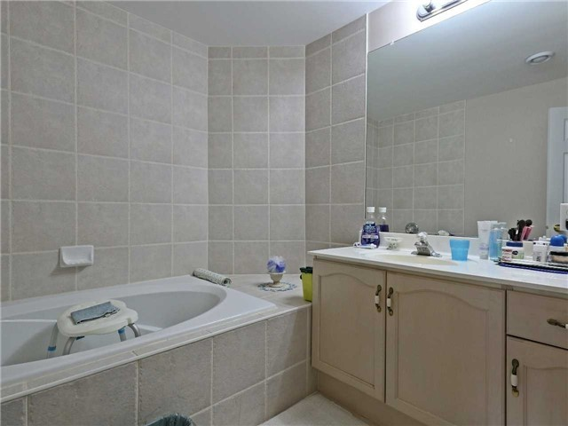 Condo Apartment at 2075 Amherst Heights Dr, Unit 219, Burlington, Ontario. Image 5