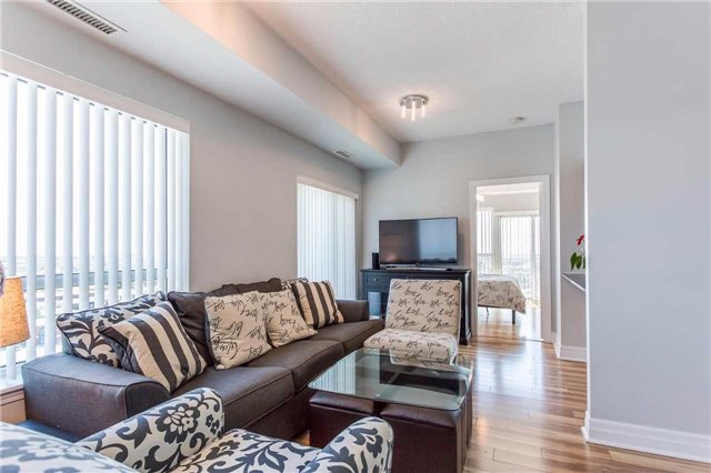 Condo Apartment at 215 Queen St, Unit 1403, Brampton, Ontario. Image 17