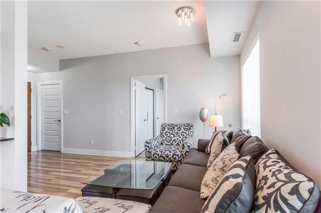 Condo Apartment at 215 Queen St, Unit 1403, Brampton, Ontario. Image 18