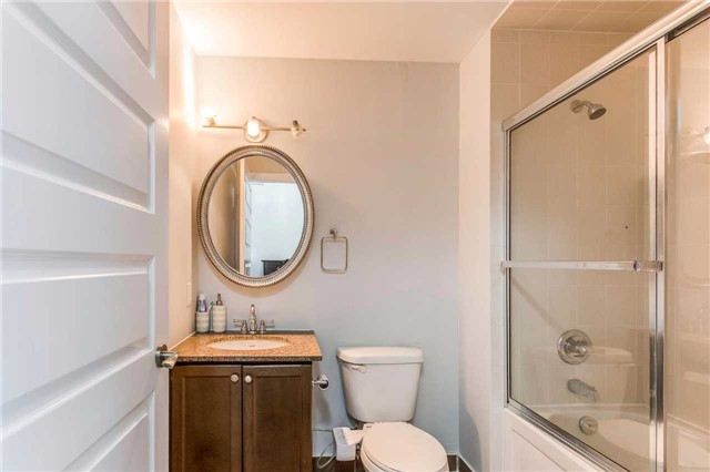 Condo Apartment at 215 Queen St, Unit 1403, Brampton, Ontario. Image 7