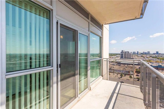 Condo Apartment at 215 Queen St, Unit 1403, Brampton, Ontario. Image 8