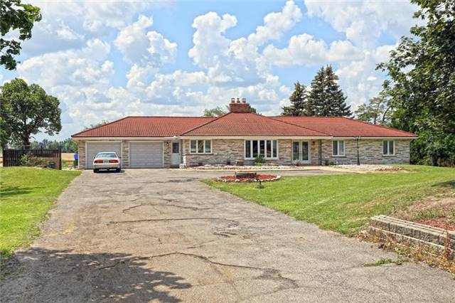 Detached at 13026 Heart Lake Rd, Caledon, Ontario. Image 1