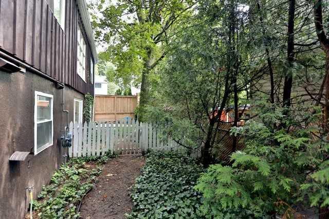 Duplex at 257 Pine Cove Rd, Burlington, Ontario. Image 13