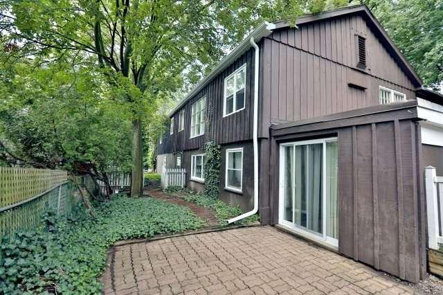 Duplex at 257 Pine Cove Rd, Burlington, Ontario. Image 15