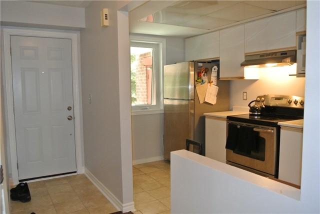 Condo Apartment at 75 Bristol Rd E, Unit 183, Mississauga, Ontario. Image 2