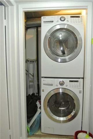 Condo Apartment at 75 Bristol Rd E, Unit 183, Mississauga, Ontario. Image 9
