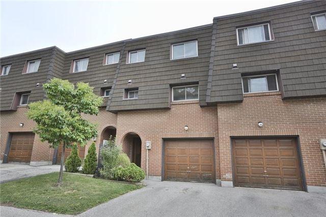 Condo Townhouse at 152 Darras Crt, Unit 48, Brampton, Ontario. Image 1