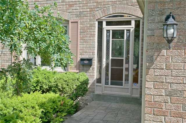 Detached at 36 Neptune Crt, Brampton, Ontario. Image 12