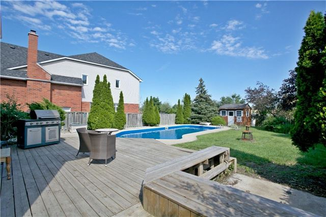 Detached at 36 Neptune Crt, Brampton, Ontario. Image 11