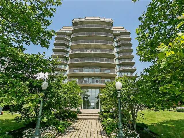 Condo Apartment at 2190 Lakeshore Rd, Unit 704, Burlington, Ontario. Image 1