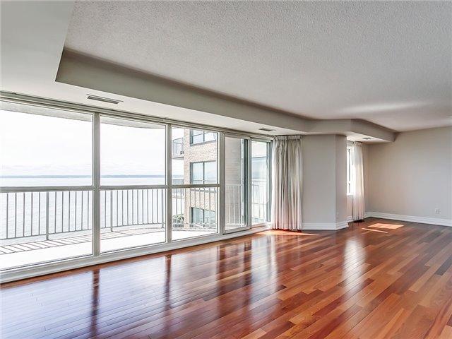 Condo Apartment at 2190 Lakeshore Rd, Unit 704, Burlington, Ontario. Image 12