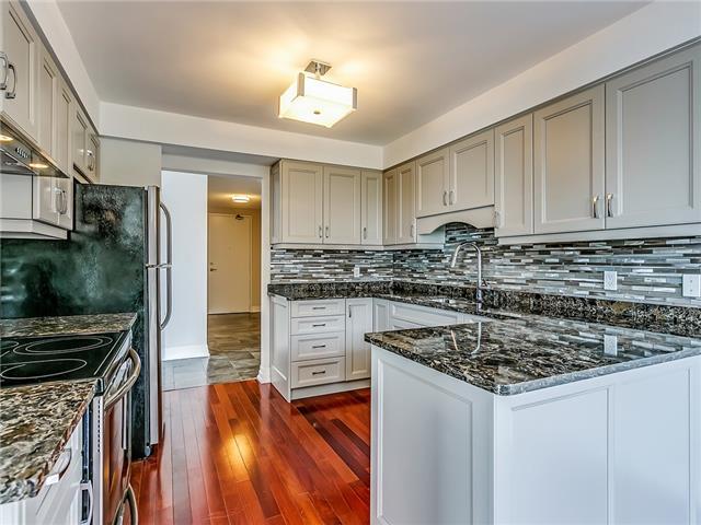 Condo Apartment at 2190 Lakeshore Rd, Unit 704, Burlington, Ontario. Image 16