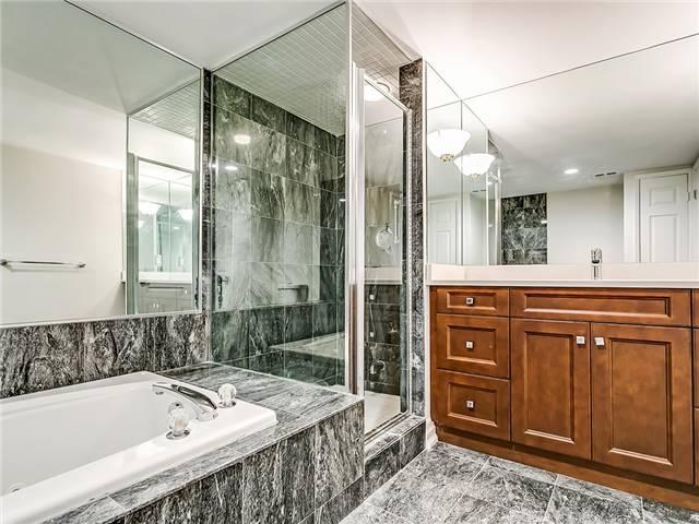 Condo Apartment at 2190 Lakeshore Rd, Unit 704, Burlington, Ontario. Image 19