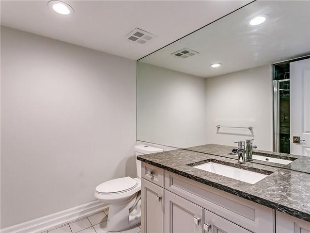 Condo Apartment at 2190 Lakeshore Rd, Unit 704, Burlington, Ontario. Image 2