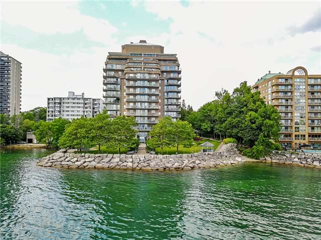 Condo Apartment at 2190 Lakeshore Rd, Unit 704, Burlington, Ontario. Image 9