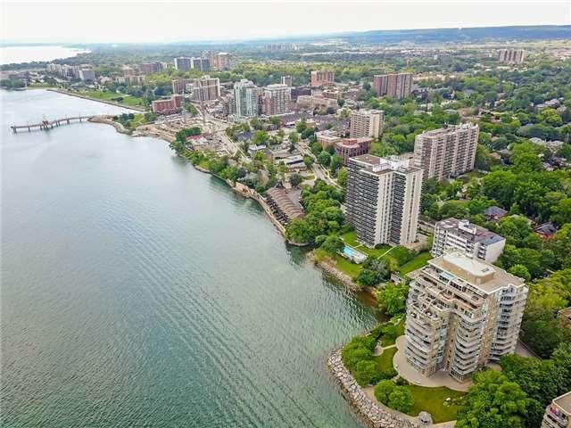 Condo Apartment at 2190 Lakeshore Rd, Unit 704, Burlington, Ontario. Image 11
