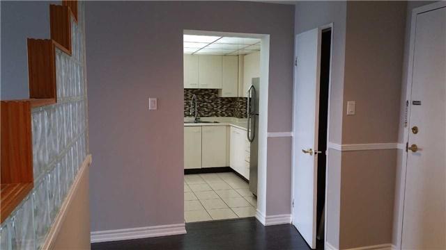 Condo Apartment at 115 Hillcrest Ave W, Unit 1914, Mississauga, Ontario. Image 16