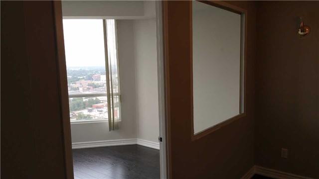 Condo Apartment at 115 Hillcrest Ave W, Unit 1914, Mississauga, Ontario. Image 6