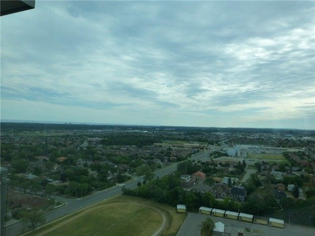 Condo Apartment at 3525 Kariya Dr, Unit 3005, Mississauga, Ontario. Image 8