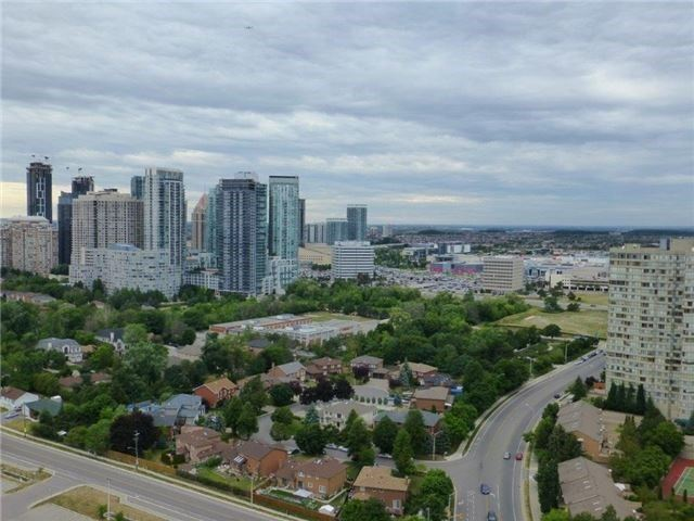 Condo Apartment at 3525 Kariya Dr, Unit 3005, Mississauga, Ontario. Image 11