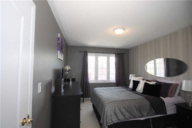 Townhouse at 620 Ferguson Dr, Unit 75, Milton, Ontario. Image 3