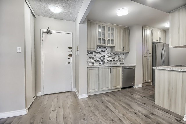Condo Apartment at 370 Dixon Rd, Unit 1901, Toronto, Ontario. Image 12
