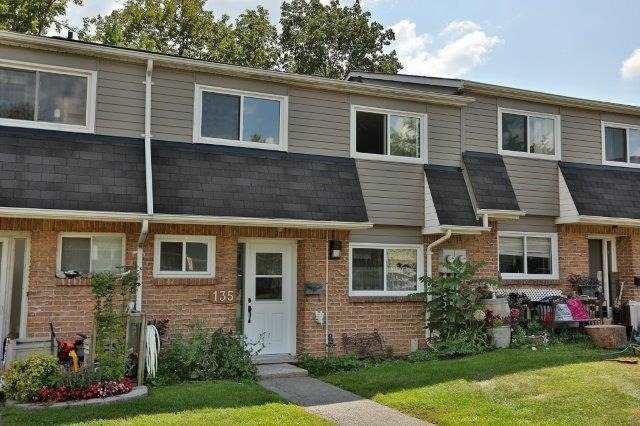 Condo Townhouse at 2050 Upper Middle Rd, Unit 135, Burlington, Ontario. Image 1