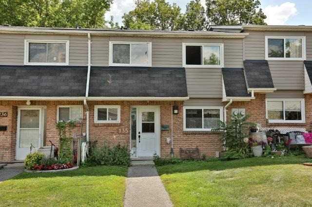 Condo Townhouse at 2050 Upper Middle Rd, Unit 135, Burlington, Ontario. Image 12
