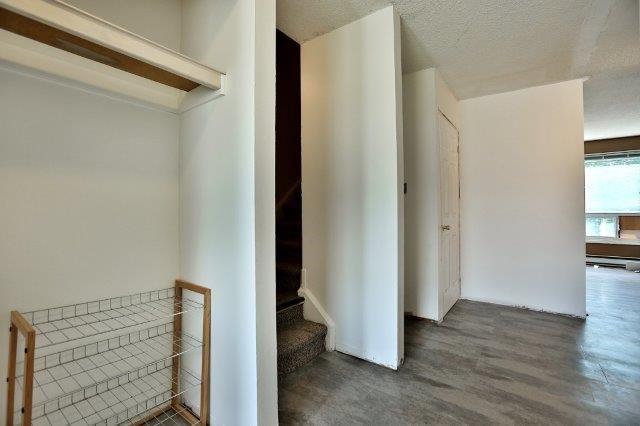 Condo Townhouse at 2050 Upper Middle Rd, Unit 135, Burlington, Ontario. Image 17