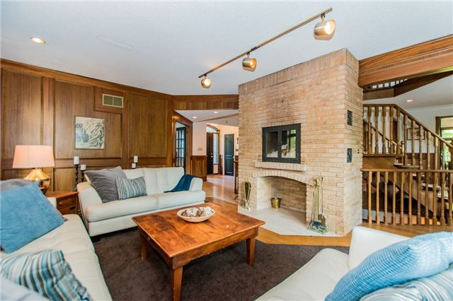 Detached at 68 Harborn Rd, Mississauga, Ontario. Image 7