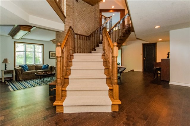Detached at 68 Harborn Rd, Mississauga, Ontario. Image 13