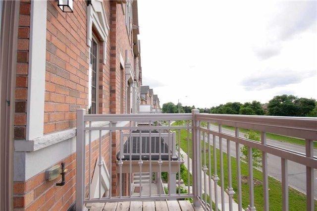 Condo Townhouse at 180 Howden Blvd, Unit 28, Brampton, Ontario. Image 8