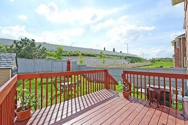 Detached at 14 Ravenscliffe Crt, Brampton, Ontario. Image 11