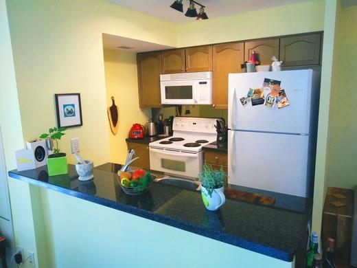 Condo Apartment at 2121 Lake Shore Blvd W, Unit 212, Toronto, Ontario. Image 15