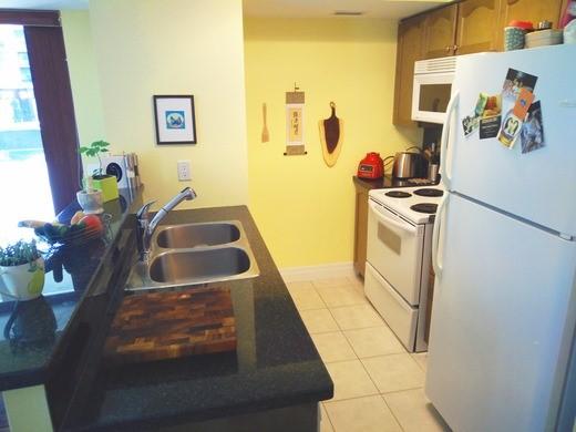Condo Apartment at 2121 Lake Shore Blvd W, Unit 212, Toronto, Ontario. Image 16