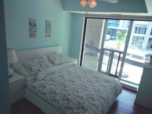 Condo Apartment at 2121 Lake Shore Blvd W, Unit 212, Toronto, Ontario. Image 3