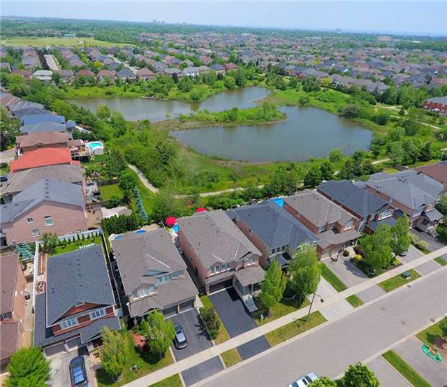 Detached at 1372 Liverpool St, Oakville, Ontario. Image 14